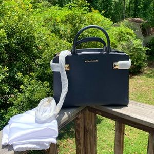 Handbags - NWT michael kors karla medium ew satchel bag